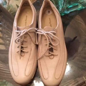 Easyspirit size nine comfortable walking shoe.